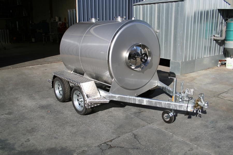 milk-tanker-2000l-oringin-earth